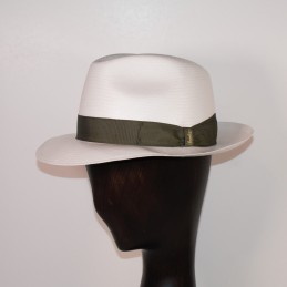 Fine white Panama hat with...
