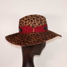 Borsalino in leopard-coated...